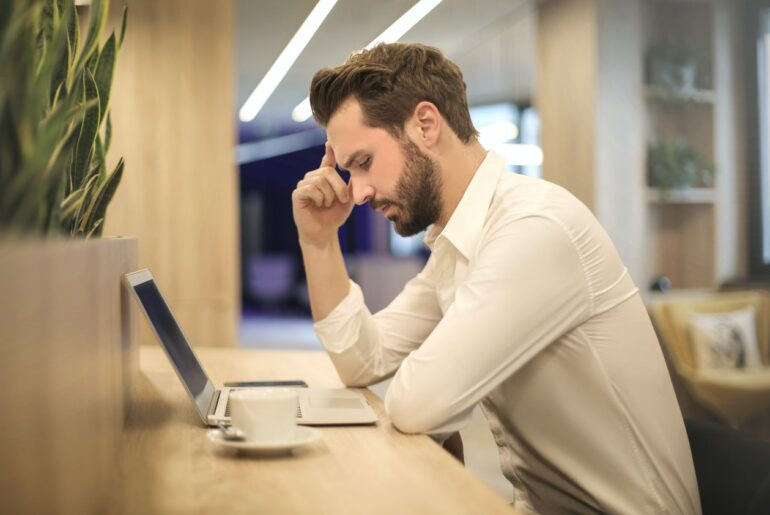 How to Prevent Eye Strain for Freelancers