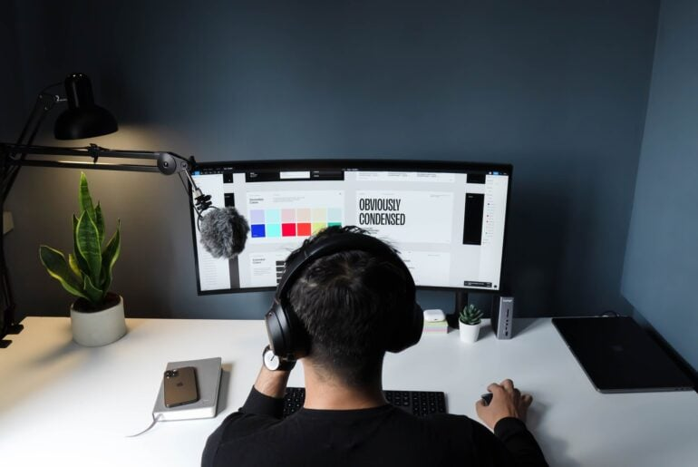A freelancer using low competition freelancing websites